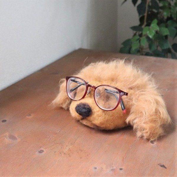 めがね置き犬