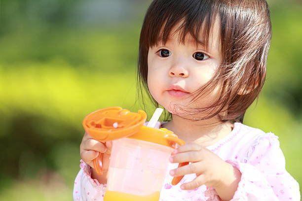 日本の女の子飲料水(1 年)