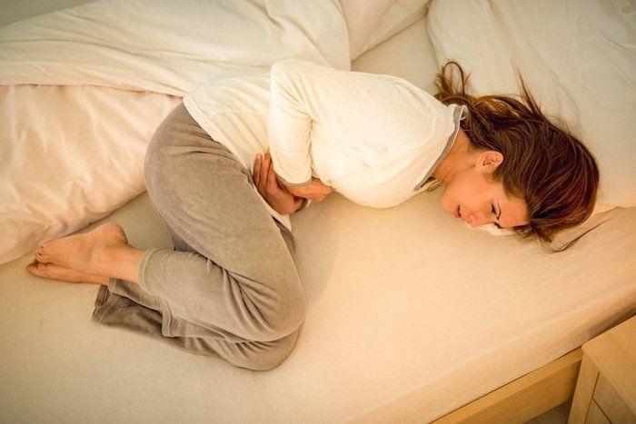 【妊娠21週】子宮頸管縫縮術(マクドナルド手術)を受けたが安静指示が出た、仕事を休みたくないが問題ない?【専門家Q&A】