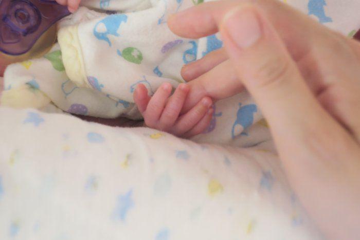妊娠23週で出産、500gの超低出生体重児。試練を乗り越えて…あるママの体験記