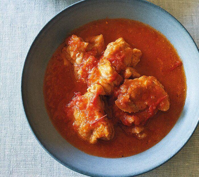 トマトはまるごと凍らせてOK!【超簡単】冷凍野菜を使った絶品ずぼらレシピ