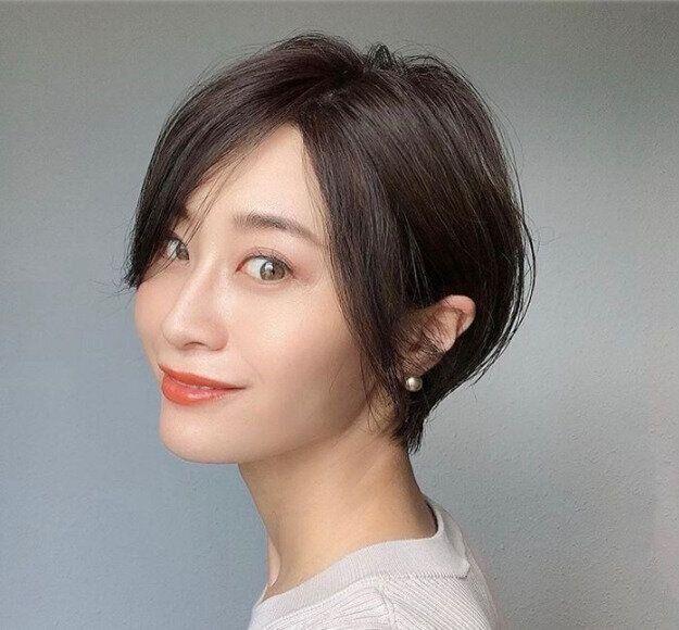 40代女性に似合う髪形 ショートヘア